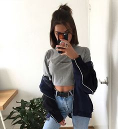 30 looks para quem ama cropped top - Guita Moda Hipster Outfits, Mode Outfits, Trendy Outfits, Fashion Outfits, Short Hair Outfits, Girl Outfits, Pinterest Fashion, Grunge Hair, Outfit Goals