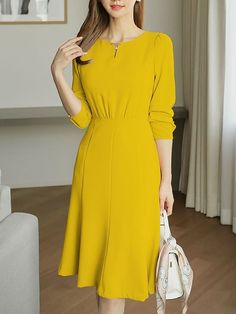 Round Neck Plain Bodycon Dress - You can find Dresses for work and more on our website. Lovely Dresses, Simple Dresses, Casual Dresses, Dresses For Work, Formal Dresses For Women, Midi Dresses, Formal Gowns, Woman Outfits, Dress Outfits