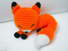 sleeping amigurumi fox from simplykawaii.tumblr.com