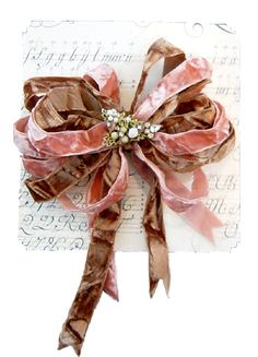 ✂ That's a Wrap ✂ diy ideas for gift packaging and wrapped presents - velvet ribbon - Gracious Gifts - Beautiful Ribbons & Bows Pink Christmas, Christmas Wrapping, Christmas Gifts, Christmas Time, Creative Gift Wrapping, Creative Gifts, Wrapping Ideas, Ribbon Work, Ribbon Hair
