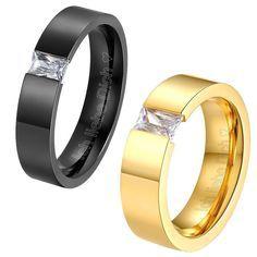 LIEBLINGSMENSCH Partnerring / Ehering mit Strassstein - Zeitloser Edelstahl Ring mit Strassstein in den Farben schwarz oder Gold. Die Ringe können zusätzlich mit Gravur versehen werden. #Lieblingsmensch #Partnerringe #Eheringe #Schmuck #Geschenk #Herrenring #Damenring #Schmuck #Ringe
