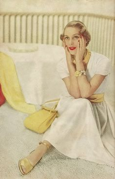 An uplifting combination of yellow and white - so fresh and summery! #vintage #1940s #fashion