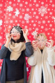 Last Minute DIY Holiday Photobooth