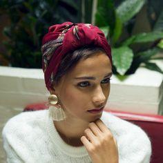 head scarf outfit & head scarf styles _ head scarf _ head scarf styles black women _ head scarf styles for natural hair _ head scarf tying _ head scarf outfit _ head scarf tutorial _ head scarf styles tutorials Turban Mode, Hair Turban, Turban Outfit, Turban Hijab, Turban Headbands, Bandana Hairstyles, Preppy Hairstyles, Woman Hairstyles, Fashion Hairstyles