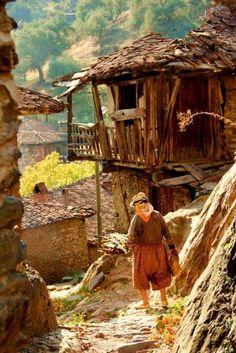 - Foto: Hayati Whole - Galería de fotos de Netfotograf . City Landscape, Landscape Photos, Landscape Paintings, Ur Beautiful, Beautiful Places, Mode Baroque, Turkish People, People Of The World, Watercolor Landscape