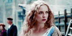 Jodie Comer as Elizabeth of York