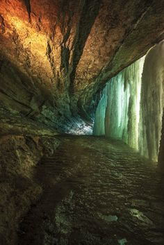 ✯ Ice Cave Behind a Waterfall - Minneapolis MN