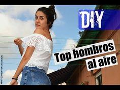 En este vídeo os muestro cómo confeccionar un top con volante y hombros al descubierto a partir de tres rectángulos. http://www.puntadasdemoda.com/diy-top-ho...