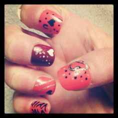Valentine's Day nails hand two