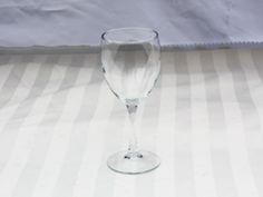 Putting bottles of wine on the table? Our 8.5oz wine glass can be used for red or white wine.