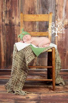 Amazing Blessings Newborn Session | Baby Brody | Copyright @ www.photographybyjenifer.com |  Jenifer Fennell Photography
