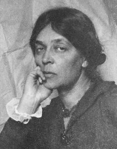 Ellen Thesleff (October 1869 - January She was an expressionist Finnish painter, regarded as one of the leading Finnish modernist painters. Helene Schjerfbeck, Female Painters, Drawing School, Mary Oliver, Rene Magritte, Nordic Art, Moving To Paris, Art Society, Salvador Dali