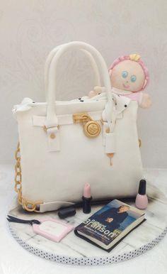 Michael Kors handbag cake - Cake by Samantha's Cake Design