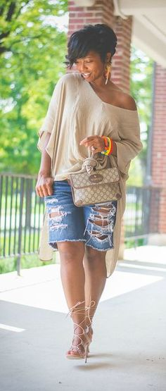 Cool Jeans Shorts Outfits For This Summer Black Women Fashion, Look Fashion, Trendy Fashion, Autumn Fashion, Fashion Outfits, Womens Fashion, Fashion Trends, Jeans Fashion, Fashion Vest