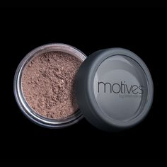 Primary Benefits of Motives® Sparkle Pots:   Silky powder catches the light to create sparkle  Good for subtle tints or bold colors  Four shades to accentuate any look  Great for all skin types