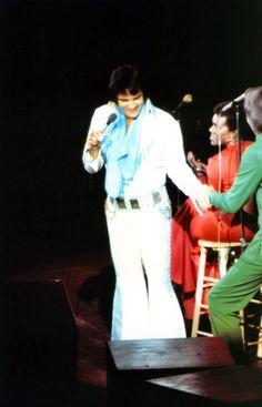 Elvis on stage in june 24 1974 in Niagara falls .