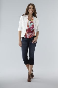This white blazer is the perfect way to pull an outfit together!