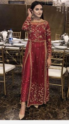 Related posts:Simple office look that I likeDress with red shoesLeather pants, beige overcoat Shadi Dresses, Pakistani Formal Dresses, Indian Gowns Dresses, Pakistani Dress Design, Pakistani Gowns, Eid Dresses, Indian Bridal Outfits, Pakistani Wedding Outfits, Indian Designer Outfits