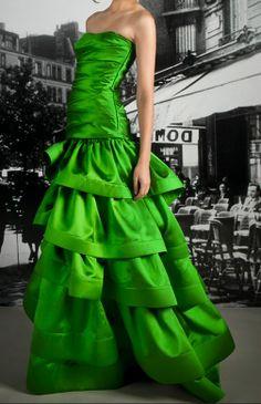 Phenomenal Fashion - more → http://fashiononlinepictures.blogspot.com/2012/05/phenomenal-fashion.html