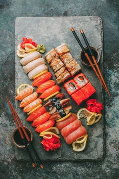 One food that I would eat everyday :: If I have to eat only one food in rest of my life, I will choose sushi. Sushi is one of my favourite food, so I think I don't get tired of sushi. I can eat everyday! I love sushi! Sushi Recipes, Asian Recipes, Healthy Recipes, Sushi Platter, Food Platters, Comfort Food, Mets, Aesthetic Food, Food Cravings