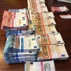 200 Bills 50 euro - € in a pack of 200 pcs 50 Euro banknotes. The Best Counterfeit euro notes. 50 Euro Bank Notes for sale. Make Money From Home, Make Money Online, How To Make Money, Money Today, Quick Money, Money Fast, Big Money, Trading Company, Flipagram Video