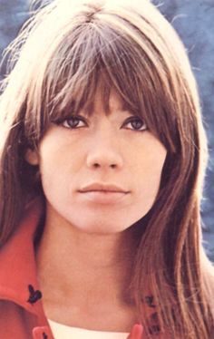 love the fresh look of francoise hardy!