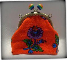 Kırmızı çiçek desenli divitin pazen kumaş çanta