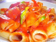 Mezze maniche con sugo di peperoni