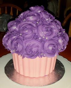 Ube macapuno cake... made this for a lil girls 3rd birthday party... used wilton's candy melt as the base #ubecake #ubemacapunocake #purpleyamcake #wilton #candymelt #birthday