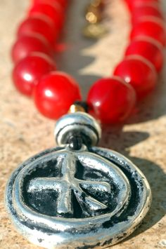 Crossroads: Old Red Massai Glass Beads and Grecian Terra Cotta Hieroglyphic Pendant Necklace Making Bracelets With Beads, Bracelet Making, Bracelet Watch, Jewelry Making, Beaded Earrings, Beaded Jewelry, Beaded Bracelets, Red Jewelry, Jewelery