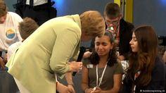 """Merkel versucht zu trösten. Frau Merkel hat damit etwas getan, was kein arabisches Staatsoberhaupt je tun würde. Hier in Deutschland ist es normal, dass Frau Merkel als Kanzlerin der Bevölkerung gegenüber offen ist."""" Zudem sei er glücklich, dass seine Tochter über die Lebensumstände von Flüchtlingen habe sprechen können."""