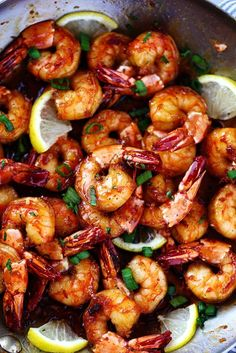 Sticky Honey Garlic Shrimp from The Recipe Critic are coated in the most amazing stick honey garlic butter soy sauce. This is a quick 20 minute meal. Fish Recipes, Seafood Recipes, Dinner Recipes, Cooking Recipes, Healthy Recipes, Chinese Shrimp Recipes, Seafood Meals, Honey Recipes, Spicy Shrimp Recipes