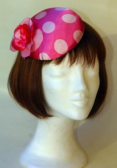Items similar to Pink dotted cocktail hat by Ozmonda on Etsy Derby, Pin Up, Dots, Trending Outfits, Unique Jewelry, Handmade Gifts, Headpieces, Vintage, Gallery