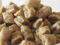 Catnip Cat treats. Homemade, gourmet cat treats, baked with all natural and organic ingredients. #HEPTEAM #organiccattreats #homemadecattreats