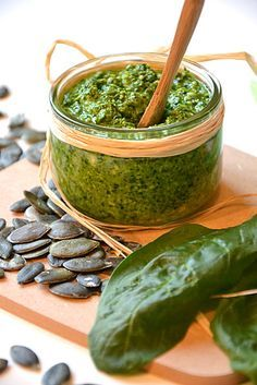 Spinach, marrow seeds and comté pesto! Raw Food Recipes, Veggie Recipes, Italian Recipes, Vegetarian Recipes, Cooking Recipes, Healthy Recipes, Pumpkin Recipes, Dip Recipes, Batch Cooking