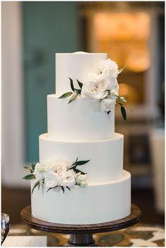Simple Classic Wedding Cake wedding cakes cakes elegant cakes rustic cakes simple cakes unique cakes with flowers wedding hair Simple Elegant Wedding, Elegant Wedding Cakes, Beautiful Wedding Cakes, Wedding Cake Designs, Simple Weddings, Blush Weddings, White Weddings, Beautiful Cakes, Indian Weddings
