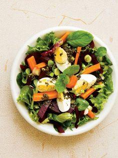 Σαλάτα ανοιξιάτικη με παντζάρια, βραστά αβγά και σάλτσα δυόσμου #σαλάτα Greek Recipes, Easter Recipes, Cobb Salad, Sweet Home, Health, Food, Eye Candy, Salads, House Beautiful