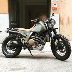 "dropmoto: ""As of late, @caferacerdreams has slowed down substantially when it comes to documenting their bike releases, which is a shame considering the diamonds they put out. CRD #62, a drool worthy Honda NX650 Dominator street tracker by the Kings..."