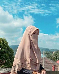 Muslim Veil, Muslim Hijab, Moslem Fashion, Niqab Fashion, Beautiful Muslim Women, Beautiful Hijab, Hijabi Girl, Girl Hijab, Muslim Girls Photos