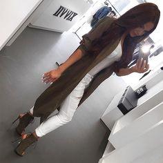 ↞  lizannecabrera ↠