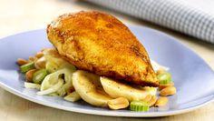 Karrikylling med banan og fennikel Salmon Burgers, Turkey, Meat, Chicken, Cooking, Ethnic Recipes, Food, Kitchen, Salmon Patties