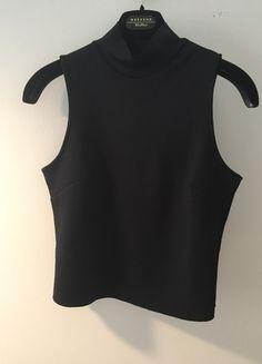 Kup mój przedmiot na #vintedpl http://www.vinted.pl/damska-odziez/bluzki-bez-rekawow/12673653-czarny-golf-crop-top-bez-rekawow-zara-modny