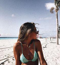 �could someonetake me backto the beach. Summer Pictures, Beach Pictures, Summer Beach, Summer Vibes, Beach Poses, Summer Aesthetic, Bikini Photos, Dom, Cool Photos