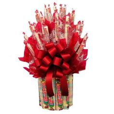 Watch their face light up when they open this Smarties Candy Bouquet. The Smarties Candy Bouquet stands an impressive 14 inches tall. Candy Arrangements, Candy Centerpieces, Homemade Gifts, Diy Gifts, Candy Boquets, Bouqets, Valentine Crafts, Valentines, Edible Bouquets