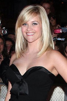 Reese Witherspoon's 'Water For Elephants' Premiere Looks: Which Do YOU Like…