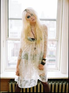 Pretty Reckless- Taylor Momsen. Love her style..