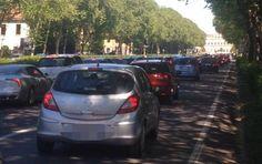 25 aprile, il parco di Monza (con le mongolfiere) fa il tutto esaurito: e il traffico va in tilt