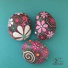 Pintar rocas motivo Floral diseño inspirado en por etherealandearth