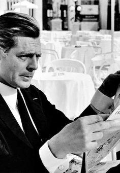 Marcello Mastroianni Marcello Mastroianni, Mark Antony, Catherine Deneuve, Jane Fonda, Great Films, Sophia Loren, Classic Films, Young And Beautiful, Actors & Actresses