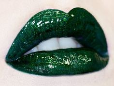 Lime Crime - Carousel Gloss - Hollygram (vegan) -this would be great for a poison ivy costume Heather Duke, Zack E Cody, Glossier Lipstick, Pink Lila, Slytherin Aesthetic, Maquillage Halloween, Lip Art, Lipstick Art, Poison Ivy
